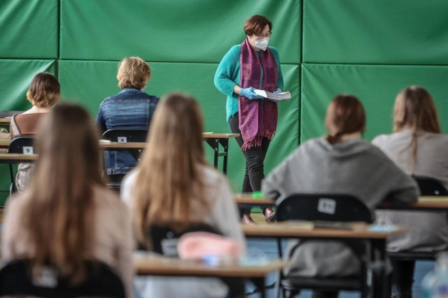 W czwartek rozpoczął się drugi dzień zmagań maturzystów i prób przed majowym egzaminem dojrzałości