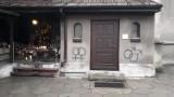 Wandale pomalowali elewację kościoła św. Mikołaja w Lublińcu. Policja szuka sprawców
