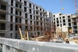 Ceny mieszkań. 87 miesięcy pracy na 50-metrowe lokum