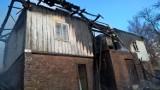 Pożar w Zwardoniu, gaszenie było bardzo trudne. Dom znajdował się wysoko na zboczu góry [ZDJĘCIA]