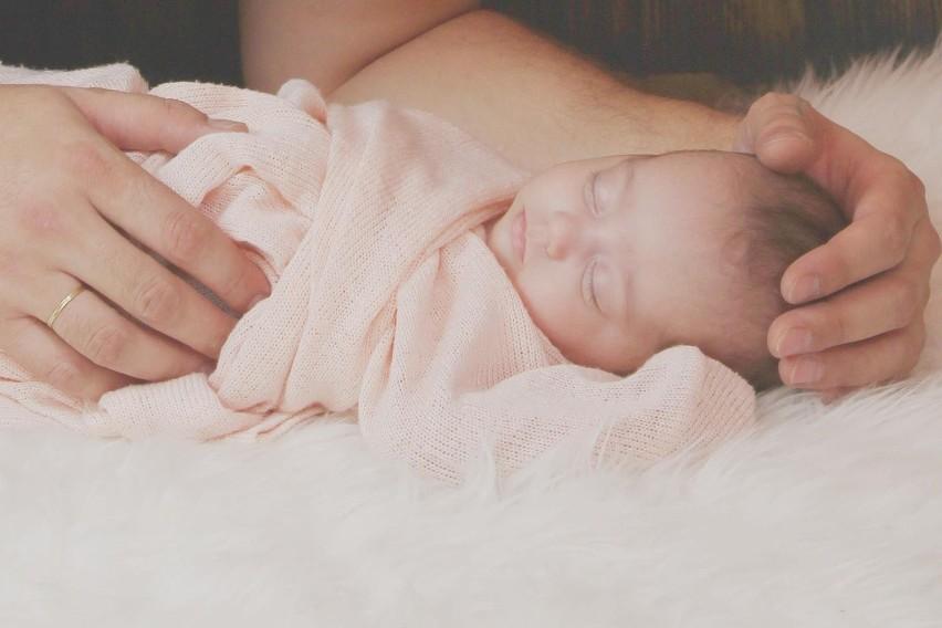 Noworodek 0-3 miesiące - powinien spać 14-17 godzin...