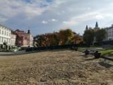 Rozpoczęły się prace modernizacyjne Rynku w Przemyślu. Mają potrwać do września przyszłego roku [ZDJĘCIA]