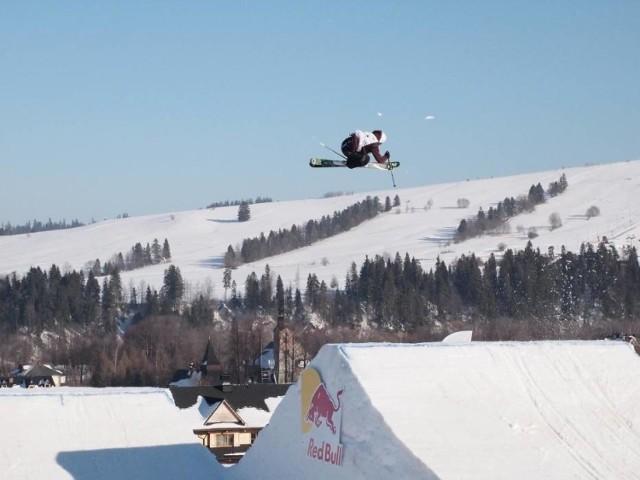 Zawody freeskingowe w Białce Tatrzańskiej - to widowiskowe zawody dla miłośników skoków ekwilibrystycznych skoków na nartach i snowboardzie. Zawody - Garmin Winter Festival 2019 - odbędą się w tym roku w dniach 14-16 lutego 2019 roku. Na specjalnie usypanej ze śniegu snowparku i dużej skoczni, narciarze freestylowi wykonują tricki w powietrzu. Skaczą także snowboardziści, a także... rowerzyści. W tym roku w ramach imprezy odbędzie się Pucharu Europy FIS w narciarskiej i snowboardowej konkurencji Big Air oraz Mistrzostwa Polski PZN we Freeskiingu.