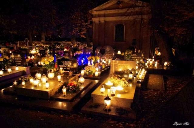 Zaduszki na pleszewskich cmentarzach