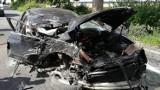 Wypadek w Cząstkowie, gm. Trąbki Wielkie. Zakleszczonego kierowcę wyciągali strażacy. 20-latek w stanie ciężkim