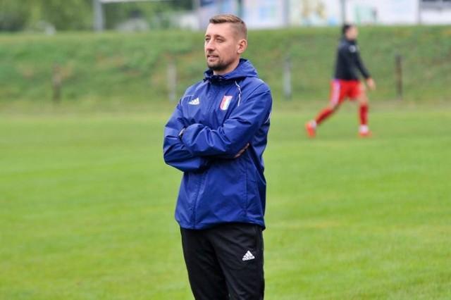 Trener Arkadiusz Bator ocenia miniony sezon i zdradza plany na najbliższe okienko transferowe.
