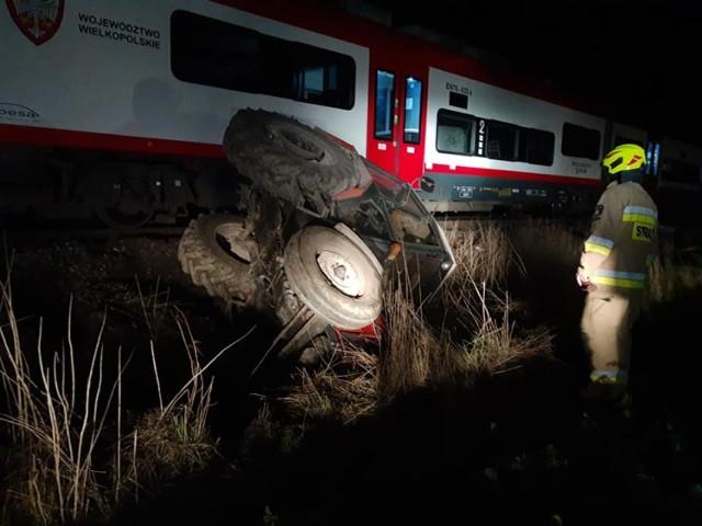 Gmina Czerniejewo: zderzenie pociągu z ciągnikiem rolniczym
