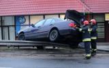 W powiecie aleksandrowskim samochód uderzył w barierkę na autostradzie A1