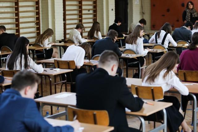 Egzamin gimnazjalny 2019 ANGIELSKI PODSTAWOWY
