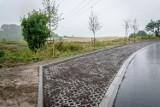 Wałbrzych: Zakończona budowa drogi dojazdowej do cmentarza na  Poniatowie (ZDJĘCIA)