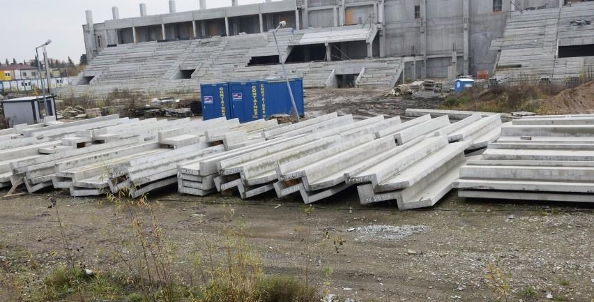 Za trzynaście miesięcy ma być oddany do użytku stadion dla...