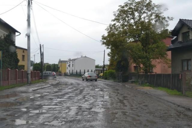 Objazd ul. Hołdunowskiej przez ul. Ułańską i Oficerską.