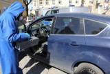 """Firma Sprzątająca """"Amelia"""" z Międzychodu przez cały dzień bezpłatnie dezynfekuje samochody mieszkańców powiatu międzychodzkiego"""