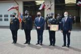 Strażacy świętowali w Busku. Były odznaczenia, nominacje na wyższe stopnie służbowe [ZDJĘCIA]