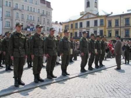 Absolwenci cieszyńskiego szkolenia zostali etatowymi oficerami Straży Granicznej.