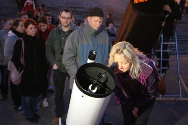 Wspólne oglądanie deszczu meteorytów w Szczecinie. Zobacz przez teleskop fajerwerki kosmicznego pyłu