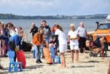 """Wakacyjna Akcja """"Plaża"""" i """"Bezpieczne Wakacje 2021"""": pomorscy policjanci na plażach w Helu i w Pucku   ZDJĘCIA, NADMORSKA KRONIKA POLICYJNA"""