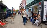 Food trucki zaparkowały przed Centrum Handlowym Atrium Kasztanowa w Pile. Obejrzyjcie zdjęcia