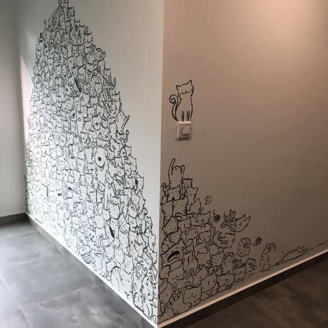 Koty zamiast tapety? Ilustratorka stworzyła jedyny w swoim rodzaju pokój [GALERIA]