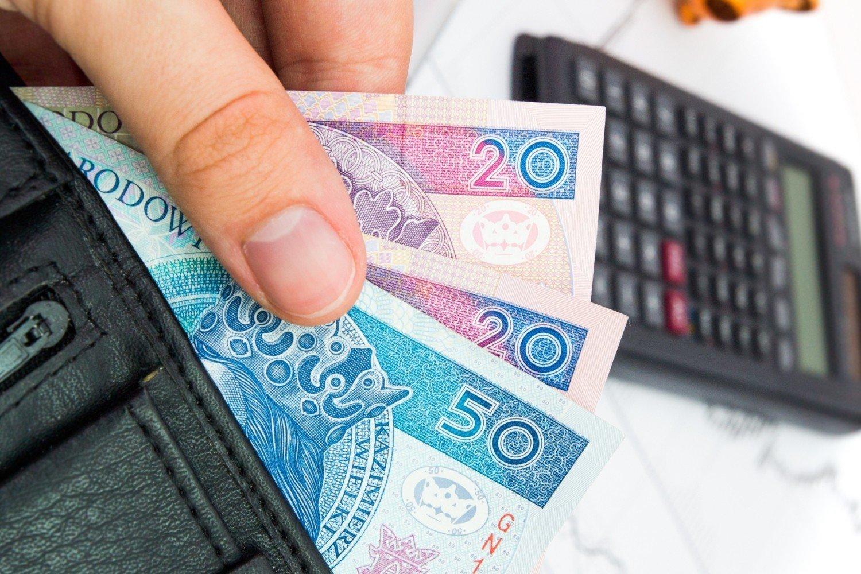 pensja minimalna brutto