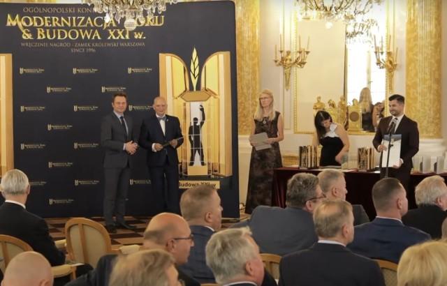 Wyróżnienie w imieniu burmistrza Rafała Kukli odebrał jego zastępca Łukasz Bałajewicz.