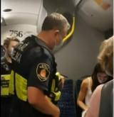 Kobieta nie chciała w autobusie założyć kagańca psu. Interweniowała straż miejska
