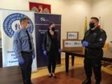 Więźniowie z Turawy i Strzelec Op. uszyli maseczki dla opolskich służb