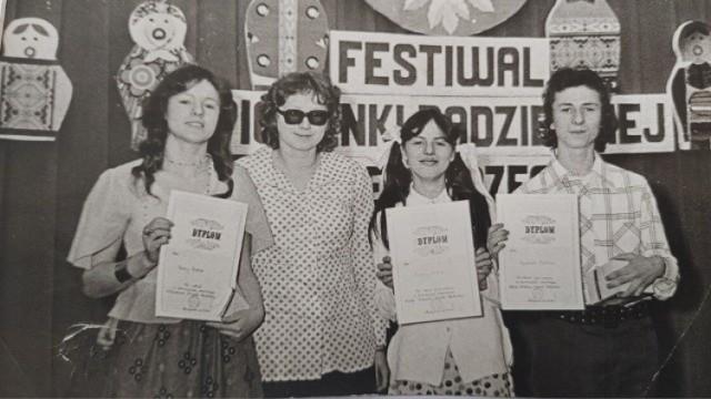 Na zdjęciu: od prawej Andrzej Bator, jego siostra Bożena, Maryla Zygmunt, jak stwierdził A. Bator - promotor kultury w Bledzewie oraz jego druga siostra Irena.