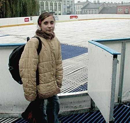 Dorota Kucharska, uczennica VI klasy podstawówki mieszka na Starym Rynku. Cieszy się, że będzie miała blisko ślizgawkę.