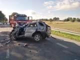 Powiat lubartowski: Na prostym odcinku auto wypadło z drogi. Zdjęcia mrożą krew w żyłach