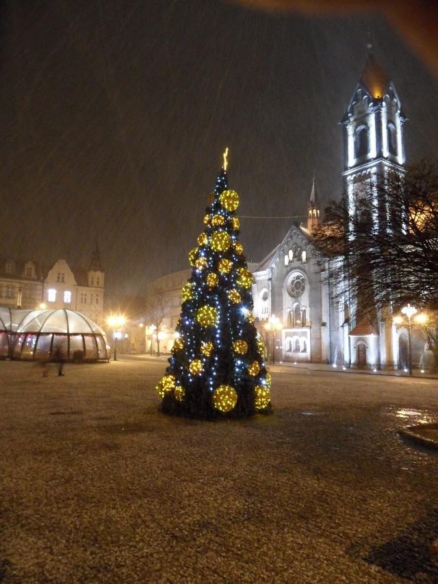 7 grudnia w Tarnowskich Górach. Przez chwilę zacinało śniegiem