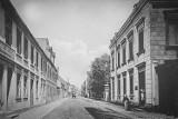 Pleszew. Ulica Sienkiewicza dawniej. Jak kiedyś wyglądała?