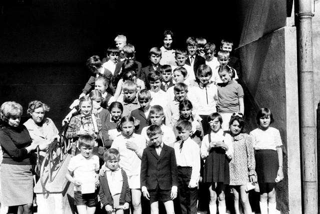 Tak wyglądał koniec roku szkolnego ponad 50 lat temu