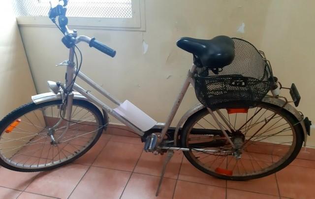 Do 10 lat więzienia grozi 23-latkowi z powiatu brzeskiego, który najpierw ukradł rower z jednej z posesji w Mokrzyskach, a następnie próbował włamać się do samochodu