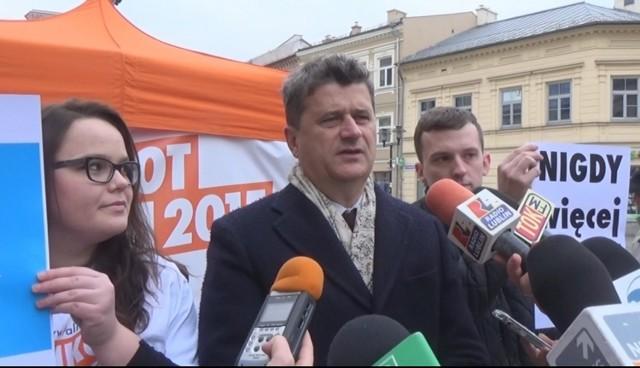 """Janusz Palikot rozpoczął akcję """"Nigdy więcej wojny"""""""