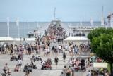 Molo w Sopocie. Tylko w lipcu 2021 r. miasto zarobiło na sprzedaży biletów ponad 2 mln zł! W weekend molo odwiedziło ok. 30 tys. osób
