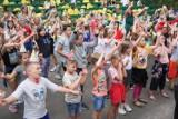 """Wakacje w Koninie 2021. W ramach akcji """" Lato w Mieście"""" zorganizowało  półkolonie Stowarzyszenie Aktywności Lokalnej """"Młodzi-Aktywni"""""""