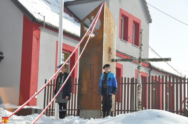 Aleja Sybiraków to projekt, który realizuje biblioteka gminna w Podgórzu