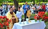 Boże Ciało 2021 w Zduńskiej Woli Karsznicach. Setki wiernych wzięły udział w procesji ZDJĘCIA