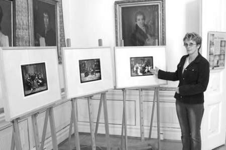 Teresa Kęsik zaprasza na wystawę.