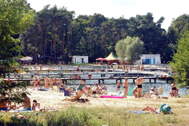 2009 rok - zdjęcia z plaży kąpieliska w Łochowicach.