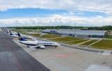 Testy na COVID-19 dla podróżnych wylatujących z lotniska w Modlinie. Od piątku rusza całodobowy punkt wymazowy