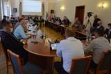 Najaktywniejsi radni Rady Miejskiej w Wieluniu. Zestawienie na podstawie interpelacji i zapytań radnych RANKING