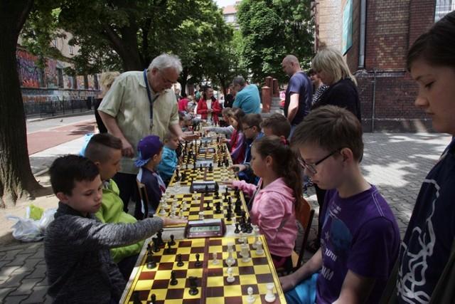 W Szkole Podstawowej nr 4 w Legnicy szachy są bardzo popularne.