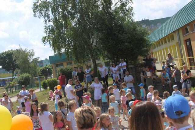 Festyn w przedszkolu nr 6 (zdjęcia archiwalne). W przyszłym roku przedszkolaki przeniosą się do nowego budynku