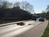 Pilica. Wypadek motocyklisty na ul. Zawierciańskiej. Uderzył w tył samochodu. Na miejscu interweniowało pogotowie