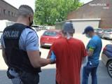 Zabrze: Zaatakował policjanta kluczem francuskim i mierzył do niego z broni