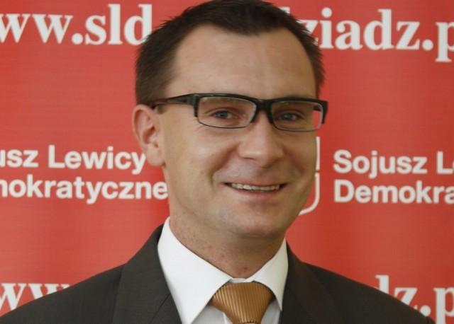 Łukasz Kowarowski jest przewodniczącym komisji rewizyjnej w radzie miejskiej.