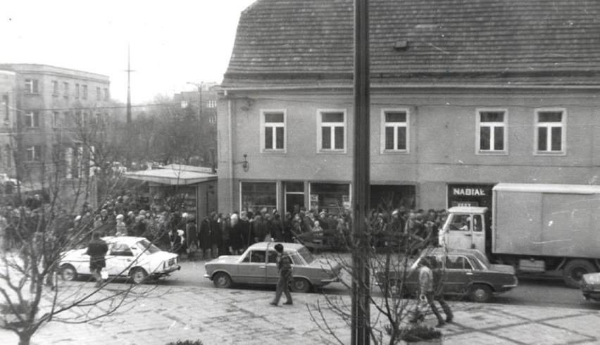 Chłodnia marki Star pod sklepem z nabiałe, Mikołów, koniec...
