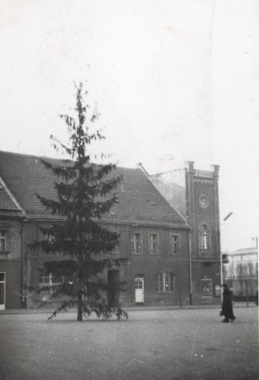 Choinka na mikołowskim rynku, Mikołów, początek lat 70....